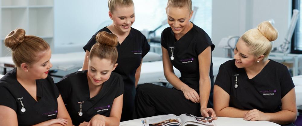 Salon de beauté avec tenues personnalisées
