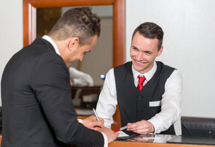 Uniforme pour hôte d'accueil